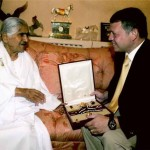 Dadi receiving the Grand Cordon award from the King of Jordan